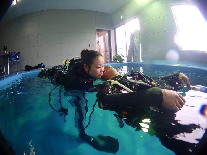 三重ダイビング-レスキュープール講習